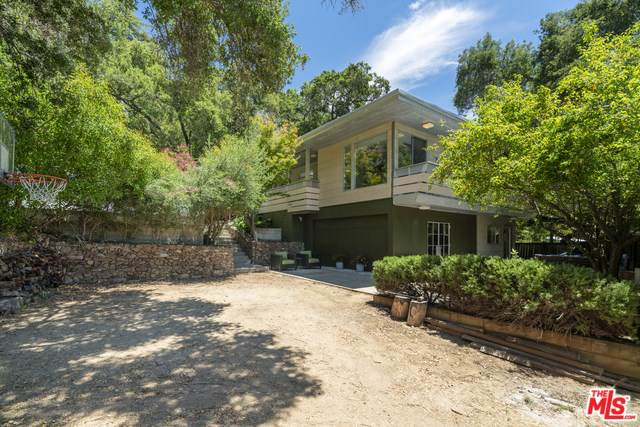 274 Muerdago Road, Topanga, CA 90290 (#19522316) :: Rogers Realty Group/Berkshire Hathaway HomeServices California Properties