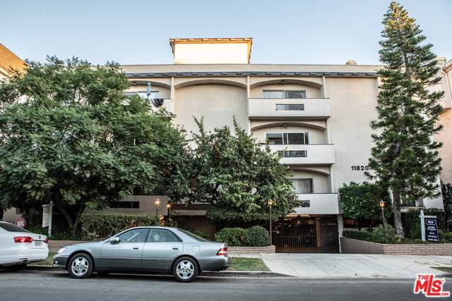 11820 Mayfield Avenue #317, Los Angeles (City), CA 90049 (#19522424) :: Go Gabby