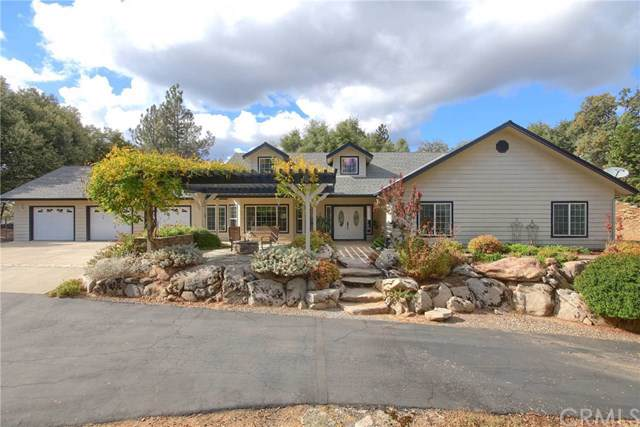 42466 Maples Lane, Oakhurst, CA 93644 (#FR19247837) :: RE/MAX Estate Properties