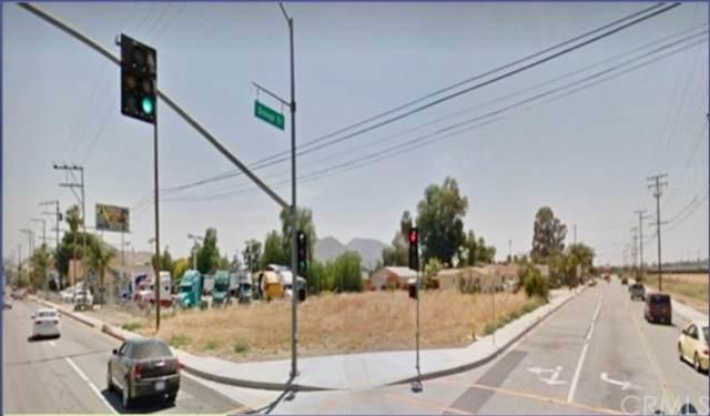 10410 Cedar Avenue, Bloomington, CA 92316 (#IV19248012) :: RE/MAX Estate Properties