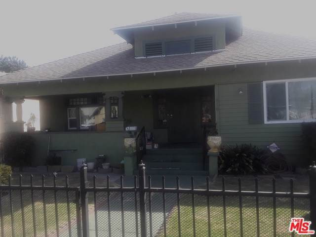 916 W 47TH Street, Los Angeles (City), CA 90037 (#19522878) :: Provident Real Estate