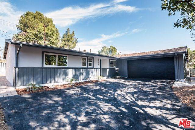 20427 Califa Street, Woodland Hills, CA 91367 (#19522816) :: Provident Real Estate