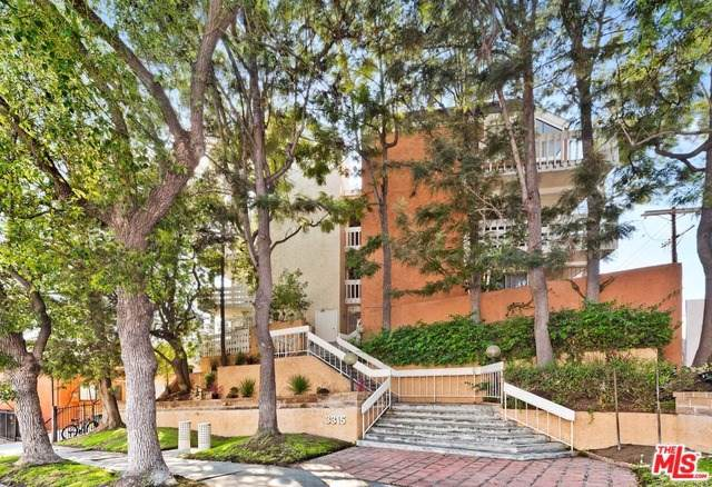 3315 Griffith Park Boulevard #301, Los Angeles (City), CA 90027 (#19522896) :: Rogers Realty Group/Berkshire Hathaway HomeServices California Properties