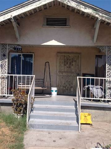 239 E 68th Street, Los Angeles (City), CA 90003 (#RS19248384) :: Provident Real Estate