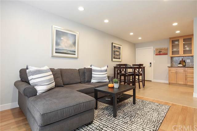 1600 Ardmore Avenue #216, Hermosa Beach, CA 90254 (#SB19246583) :: J1 Realty Group