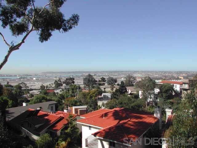 3528 Lark St, San Diego, CA 92103 (#190057791) :: Rogers Realty Group/Berkshire Hathaway HomeServices California Properties
