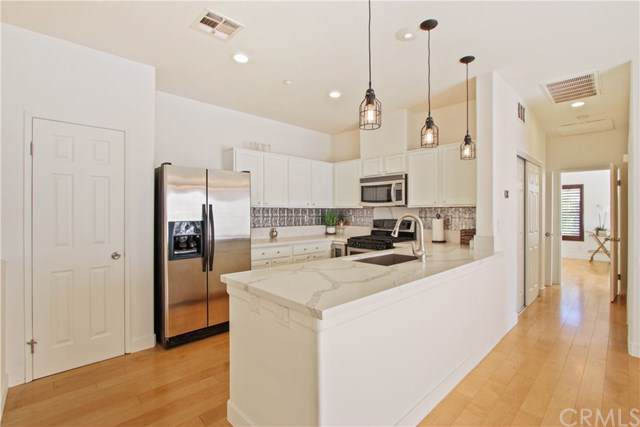 7331 Shelby Place U103, Rancho Cucamonga, CA 91739 (#CV19248462) :: Pam Spadafore & Associates