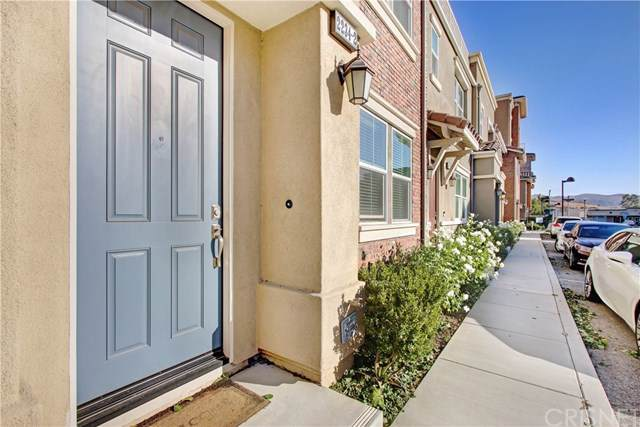 2234 Rolling River Lane #2, Simi Valley, CA 93063 (#SR19242756) :: J1 Realty Group