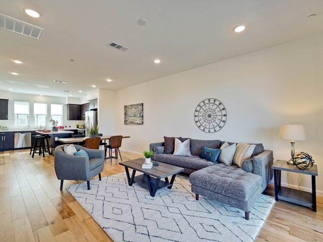 860 Duane Avenue #8, Sunnyvale, CA 94085 (#ML81773388) :: Mainstreet Realtors®