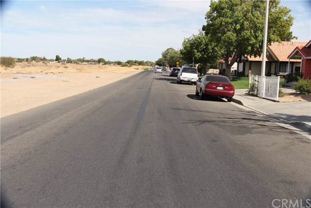 2502 E Avenue R12, Palmdale, CA 93550 (#DW19249412) :: Z Team OC Real Estate