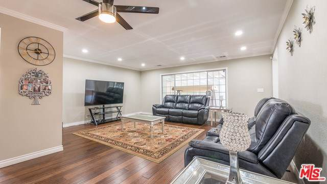 18202 Patronella Avenue, Torrance, CA 90504 (#19523492) :: Allison James Estates and Homes