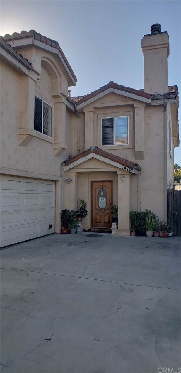 14719 Avis Avenue, Lawndale, CA 90260 (#PW19249908) :: Rogers Realty Group/Berkshire Hathaway HomeServices California Properties