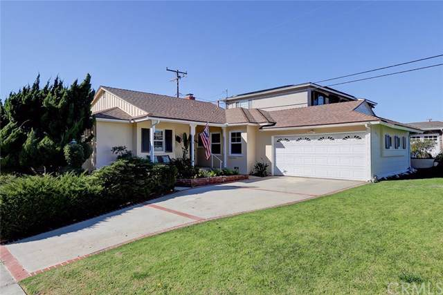 437 Via La Soledad, Redondo Beach, CA 90277 (#SB19245703) :: Millman Team