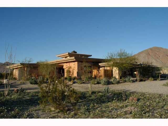 742 N Di Giorgio Road, Borrego Springs, CA 92004 (#SW19250497) :: The Bashe Team