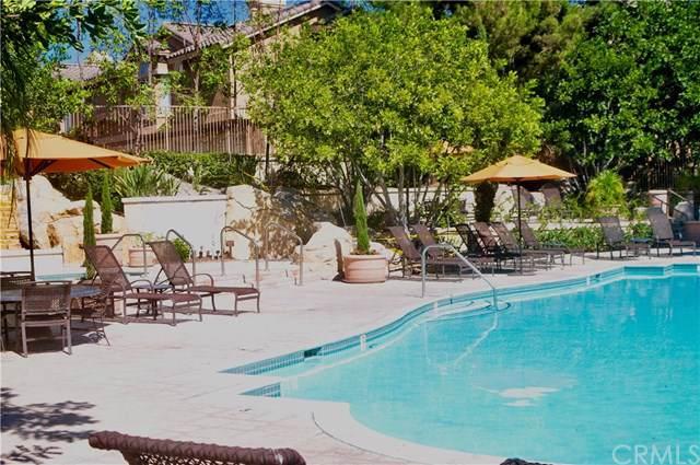 19431 Rue De Valore 14D, Lake Forest, CA 92610 (#CV19250877) :: Berkshire Hathaway Home Services California Properties
