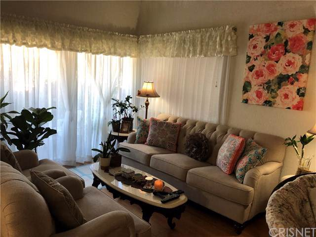 8333 Columbus Avenue #3, North Hills, CA 91343 (#SR19251416) :: Sperry Residential Group