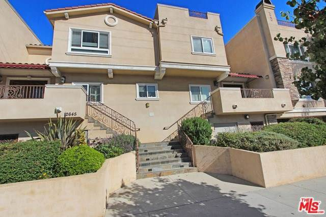 12645 Oxnard Street #15, Valley Glen, CA 91606 (#19524392) :: J1 Realty Group