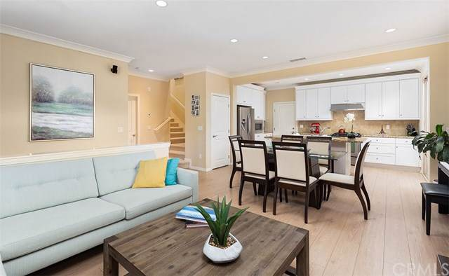 75 Thornhurst, Irvine, CA 92620 (#OC19254932) :: Allison James Estates and Homes