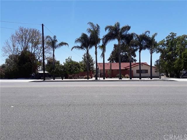 18133 Slover Avenue, Bloomington, CA 92316 (#IV19255986) :: Z Team OC Real Estate