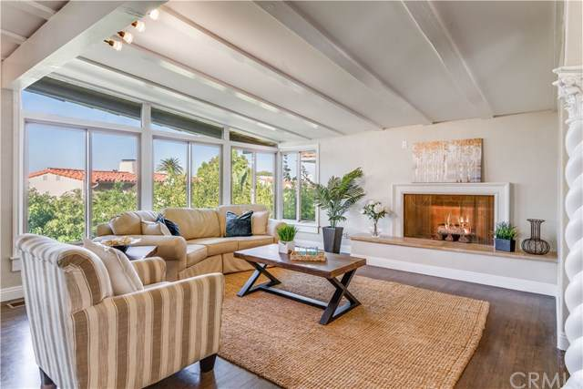 1605 Via Montemar, Palos Verdes Estates, CA 90274 (#PV19256207) :: The Miller Group