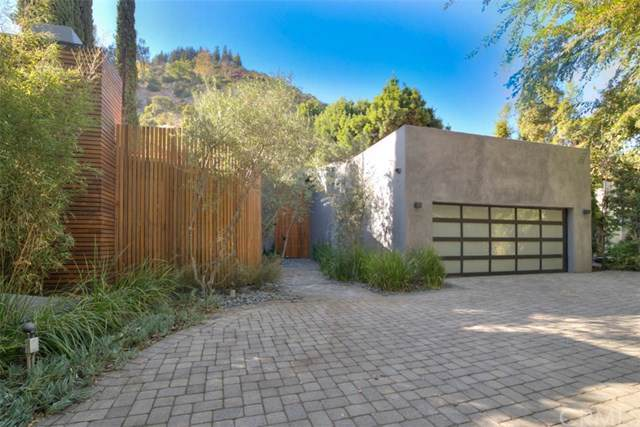 1465 Benedict Canyon Drive, Beverly Hills, CA 90210 (#PW19247991) :: Sperry Residential Group