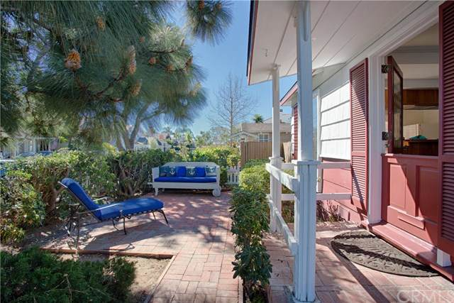 521 Carnation Avenue, Corona Del Mar, CA 92625 (#NP19257024) :: Sperry Residential Group