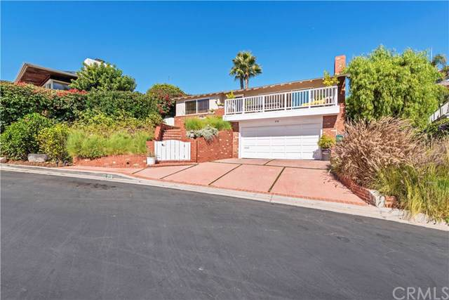 310 Emerald Bay, Laguna Beach, CA 92651 (#LG19254699) :: Team Tami