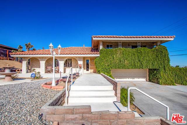 7545 Pinon Drive, Yucca Valley, CA 92284 (#19524642) :: J1 Realty Group