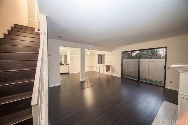 4919 Laurel Canyon Boulevard #8, Valley Village, CA 91607 (#SR19258578) :: A|G Amaya Group Real Estate