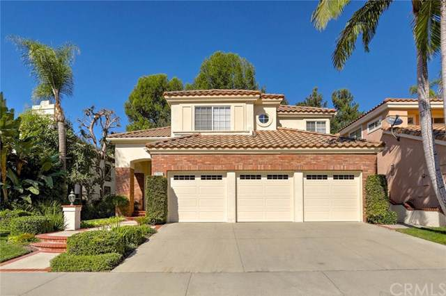 27451 Glenwood Drive, Mission Viejo, CA 92692 (#OC19257122) :: J1 Realty Group