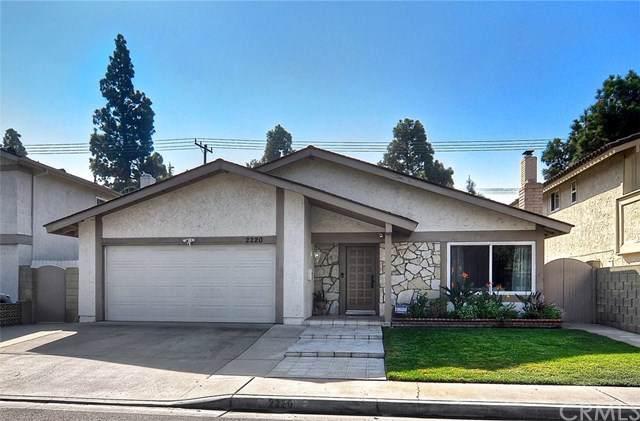 2220 E Lizbeth Avenue, Anaheim, CA 92806 (#OC19258827) :: Team Tami