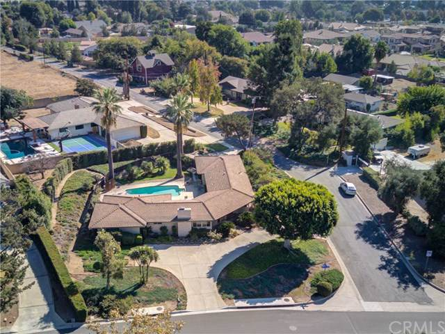 338 N Baldy Vista Avenue, Glendora, CA 91741 (#CV19259271) :: J1 Realty Group