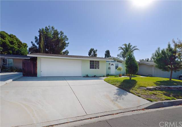 1252 E Walnut Avenue, Glendora, CA 91741 (#CV19240488) :: J1 Realty Group