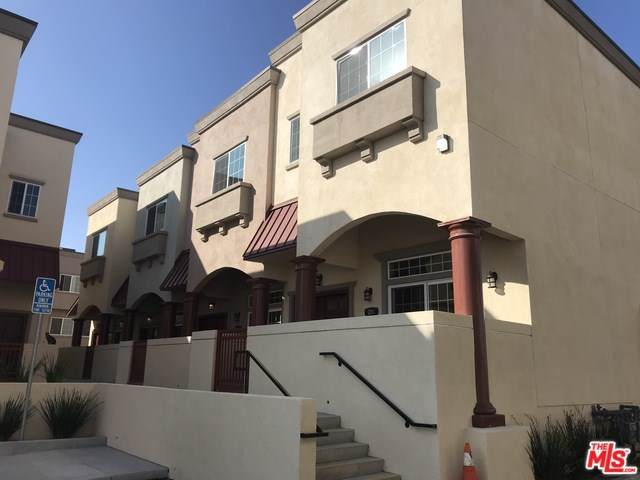 900 S Dwight Avenue #110, Compton, CA 90220 (#19527608) :: Allison James Estates and Homes