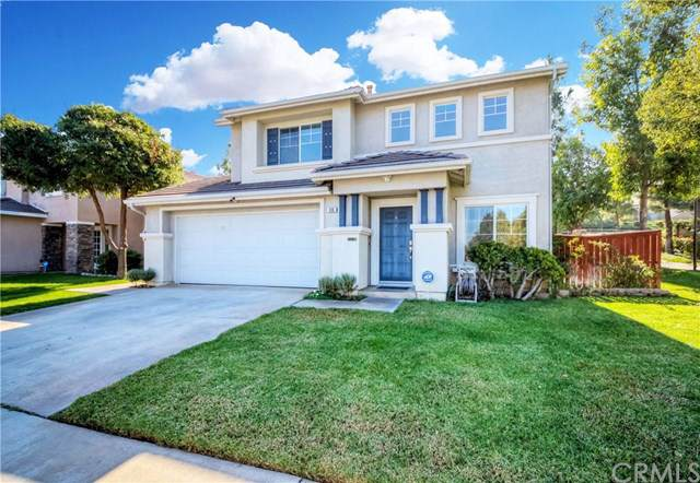 816 Saint James Drive, Corona, CA 92882 (#PW19259392) :: J1 Realty Group