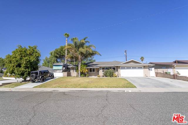 2615 Elizondo Avenue, Simi Valley, CA 93065 (#19526666) :: J1 Realty Group