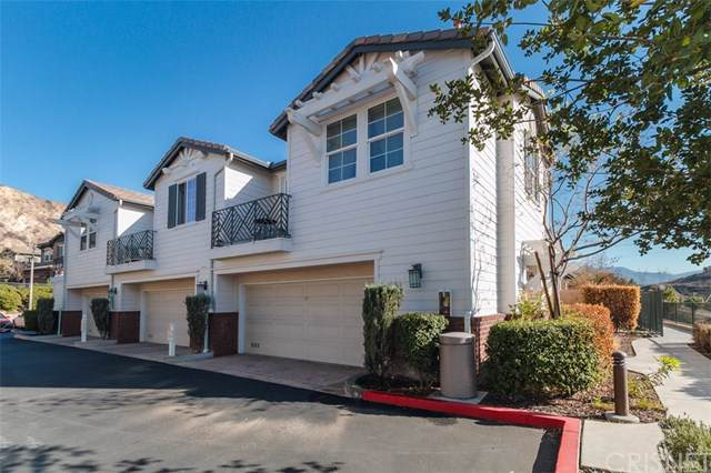 16719 Nicklaus Drive 7A, Sylmar, CA 91342 (#SR19258365) :: Fred Sed Group