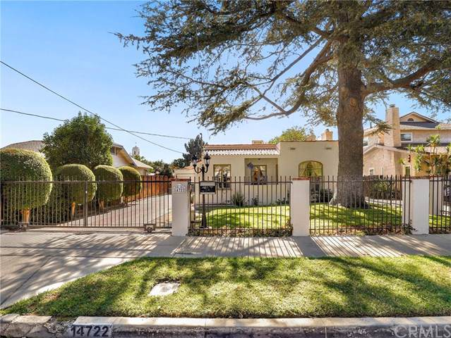 14722 Archwood Street, Van Nuys, CA 91405 (#BB19259153) :: The Brad Korb Real Estate Group