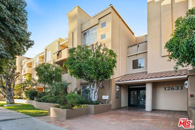 12633 Moorpark Street #208, Studio City, CA 91604 (#19522540) :: The Brad Korb Real Estate Group
