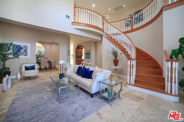 4729 Morella Avenue, Valley Village, CA 91607 (#19528034) :: A|G Amaya Group Real Estate