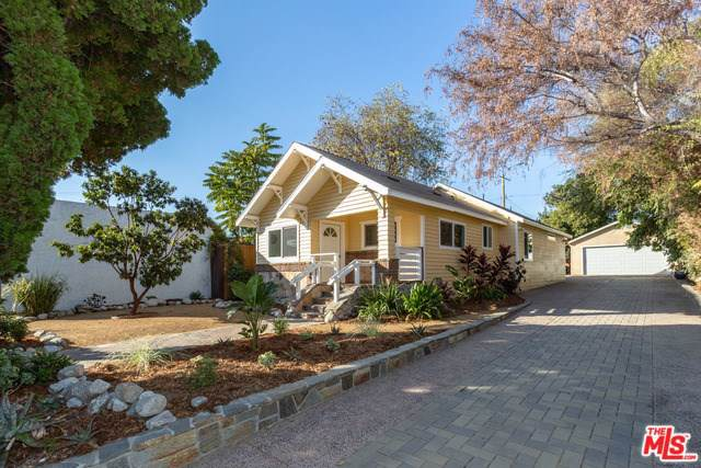 4111 Chevy Chase Drive, Los Angeles (City), CA 90039 (#19527936) :: J1 Realty Group