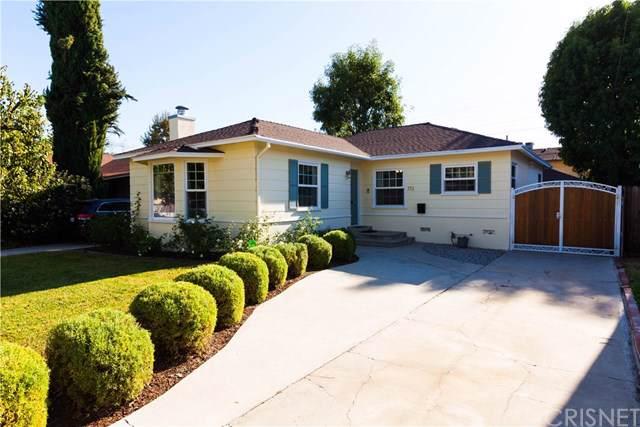 713 N Avon Street, Burbank, CA 91505 (#SR19260145) :: The Danae Aballi Team