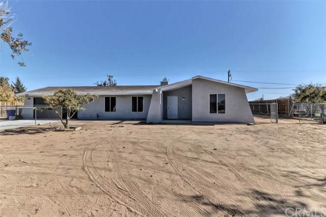 10615 Mohawk Road, Apple Valley, CA 92308 (#IV19261334) :: J1 Realty Group