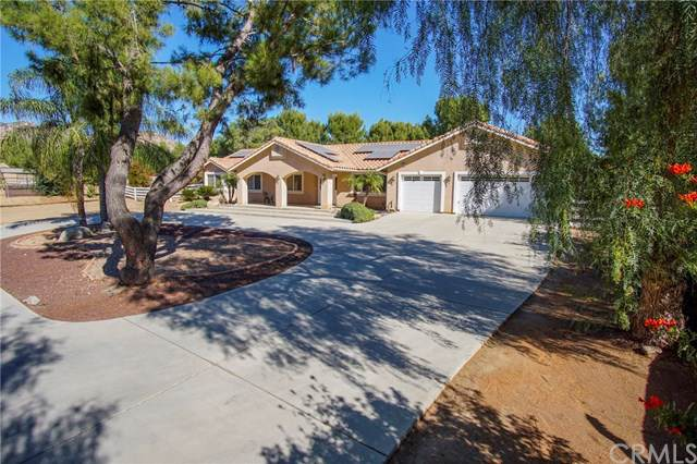 25382 Charina Lane, Homeland, CA 92548 (#SW19260839) :: Veléz & Associates