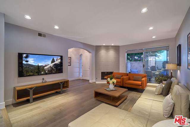 2139 Colby Avenue, Los Angeles (City), CA 90025 (#19527368) :: Fred Sed Group