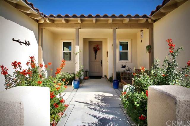 7466 Village Way, Yucca Valley, CA 92284 (#JT19261082) :: The Brad Korb Real Estate Group
