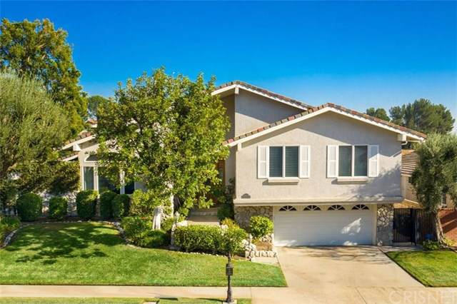 11460 Twin Hills Avenue, Porter Ranch, CA 91326 (#SR19261327) :: Fred Sed Group