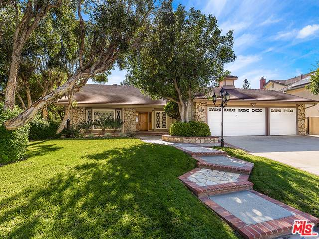 18124 Guildford Lane, Northridge, CA 91326 (#19527626) :: Fred Sed Group