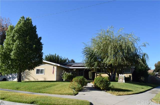 25043 Green Mill Avenue, Newhall, CA 91321 (#SR19261485) :: Sperry Residential Group