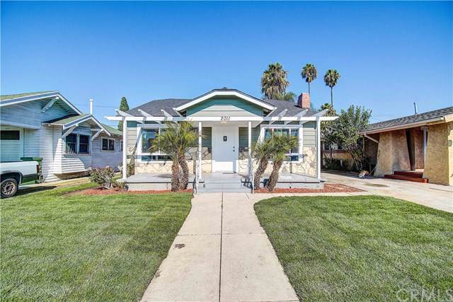 2011 W 42nd Place, Los Angeles (City), CA 90062 (#OC19255781) :: The Brad Korb Real Estate Group